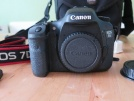 Canon7D Body+EF1:8 50 mm+Grip+4 gb CF .