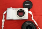 SAMSUNG NX300 BODY + 18-55 LENS + PARASOLEY + FLAŞ + ND FFİLİTRE + POLARİZE FİLİTRE