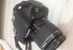 Canon eos 600D yaninda youngnuo 565EX II tepe flasi